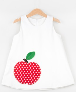 λευκό φόρεμα με μήλο