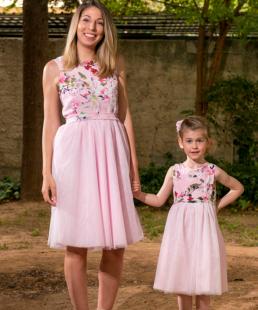 μαμα και κορη φόρεμα ΑΜυγδαλιά