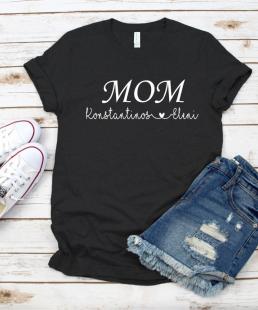μπλουζάκι MOM με ονόματα παιδιών