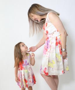 Ασορτί φορέματα μαμά κόρη floral